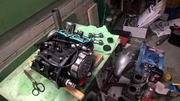 Assemble engine top
